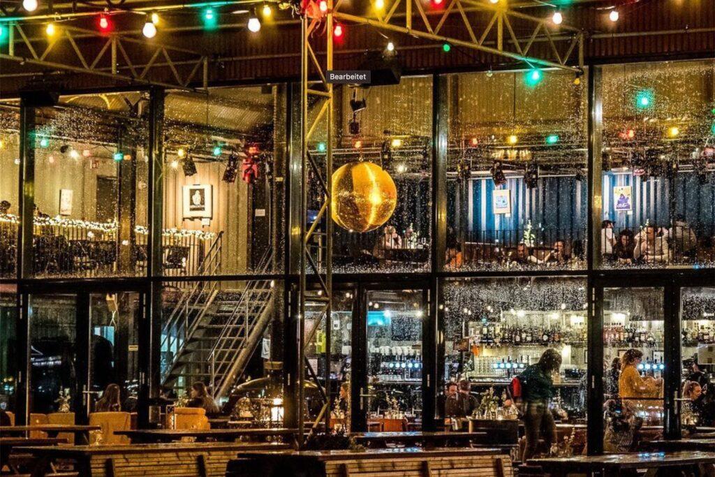 Die Container-Location Pllek in Amsterdam ist Vorbild für den Steelpark Zeche Ewald.