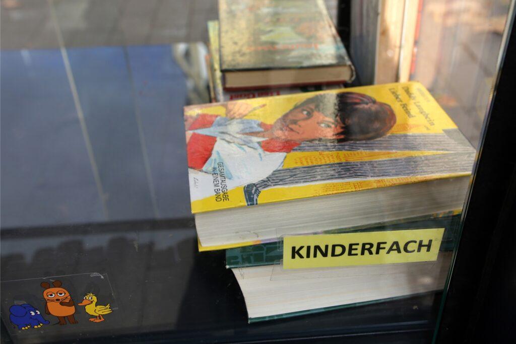 Auch die jüngsten Leseratten sollen nicht zu kurz kommen, verspricht Bücherschrank-Patin Susanne Hardt.