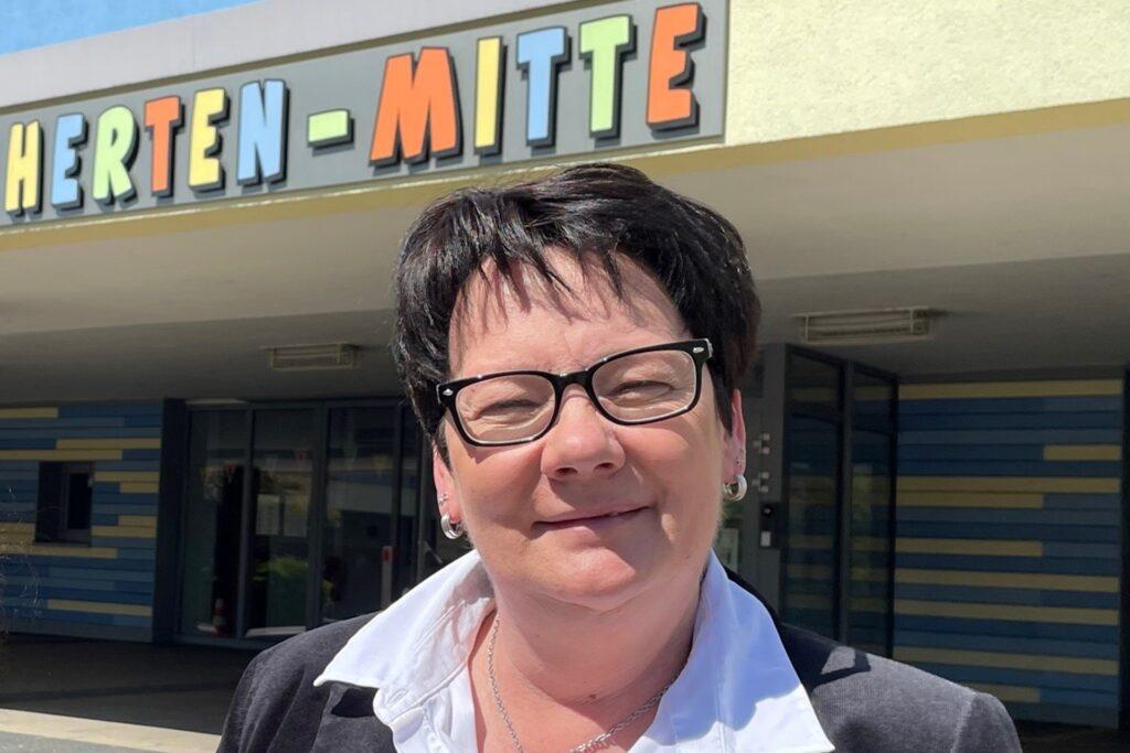 Susanne Schäfer, Leiterin der Grundschule Herten-Mitte, hat das Schulpatenprojekt ins Leben gerufen.