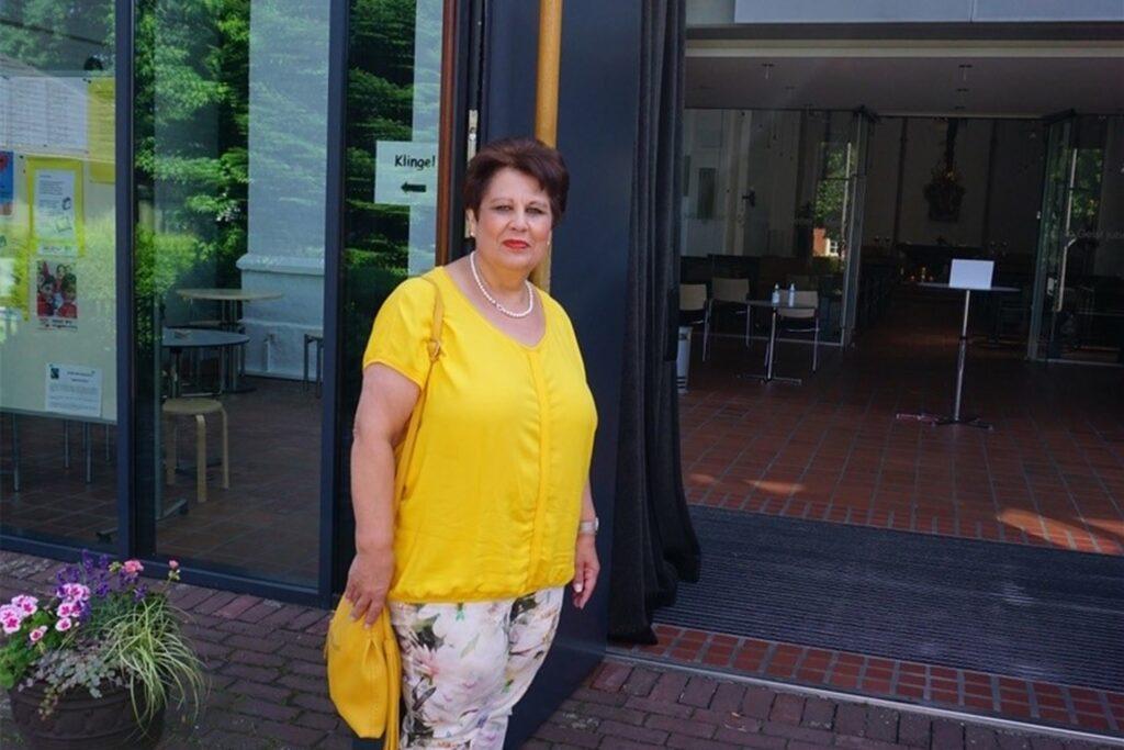 Roswitha Gondermann beobachtet, dass durch die neuen Regelungen nicht nur die Messen, sondern auch die Gemeindemitglieder lockerer werden.