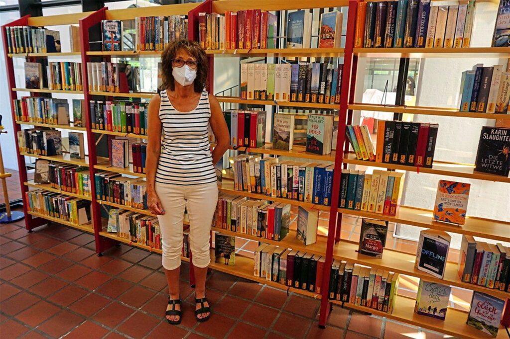 Es gibt auch Kritik. Heike Reckstadt ist zwar über den Erhalt der Bibliothek froh, jedoch empfindet sie die Auswahl kleiner als im Vergleich zu vorher.