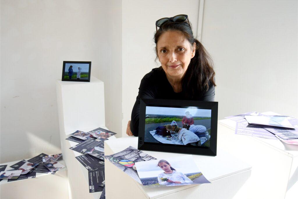 Kinder von sechs bis acht Jahren sind mit Video-Beiträgen zum Heimatbegriff in der Ausstellung vertreten. Suria Kassimis Verein